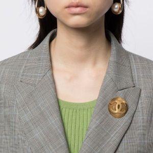Chanel vintage round brooch 🌟rare🌟